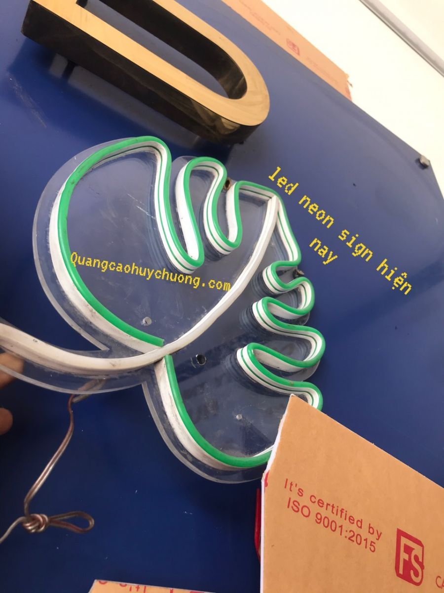 led-neon-sign-nhựa